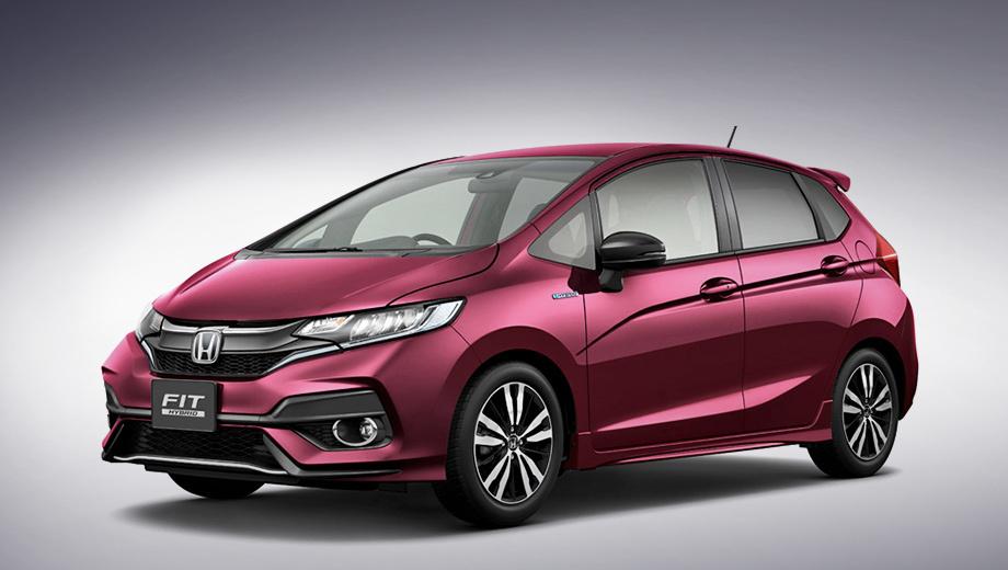 Honda fit,Honda jazz. На данный момент японцы опубликовали снимки только гибридной модификации i-DCD, которая может в мелких деталях отличаться от обычного хэтча. Фары сохранили форму, агрессивнее стали решётка с увеличенным логотипом Хонды и передний бампер.