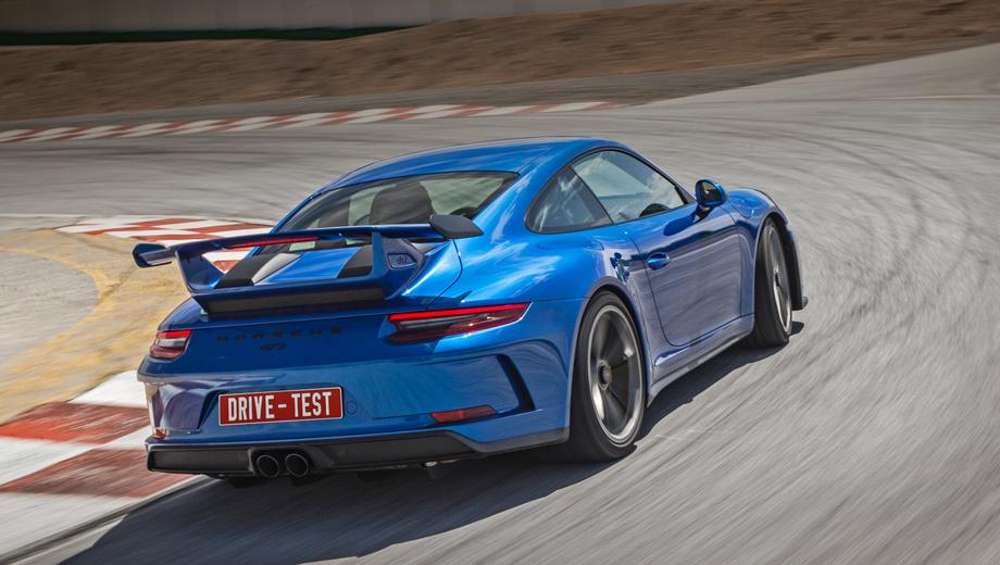 Porsche 911,Porsche 911 gt3. Заказы на 911 GT3 уже принимают. На российском рынке машины появятся в середине июня — от 10 318 000 рублей независимо от того, с «механикой» будет автомобиль или с «роботом» PDK. Дороже на данный момент — только купе и кабриолеты 911 Turbo и Turbo S.