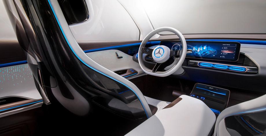 Первенец суббренда EQ показал цифровую приборку диагональю 21 дюйм и сенсорные панели на руле. У хэтча тоже будет нечто подобное.