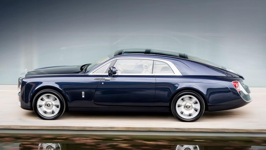 Rollsroyce sweptail. Имя заказчика не разглашается, но, по словам представителей компании Rolls-Royce, это коллекционер автомобилей и яхт, а также знаток старых моделей Роллс-Ройса. По слухам, этот автомобиль обошёлся мужчине в 10 млн фунтов стерлингов.