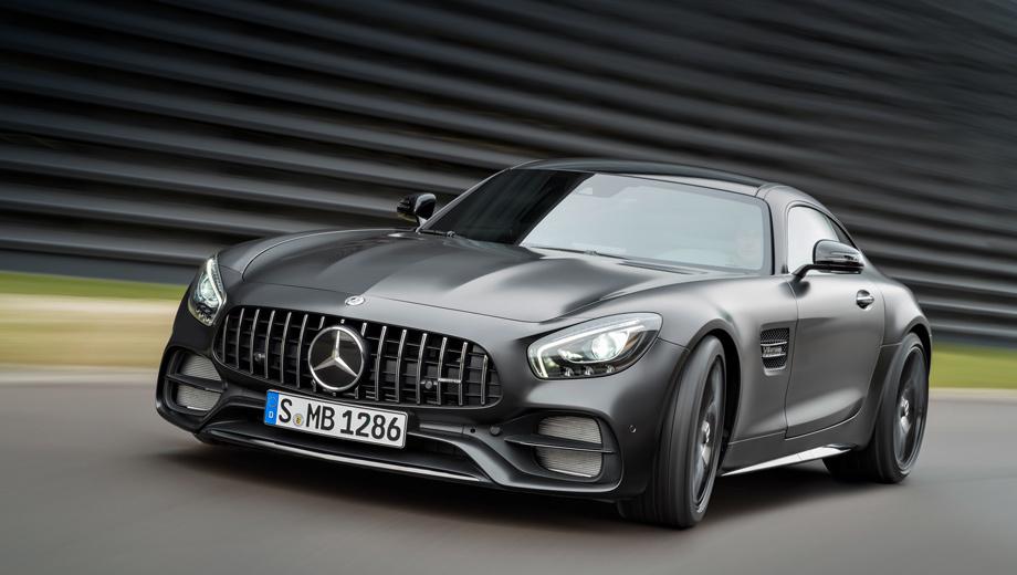 Mercedes amg gt. Максимальная скорость трёхдверной модели Mercedes-AMG GT в зависимости от версии варьируется от 304 до 318 км/ч, а расход топлива в смешанном цикле ― от 9,6 до 11,4 л/100 км.