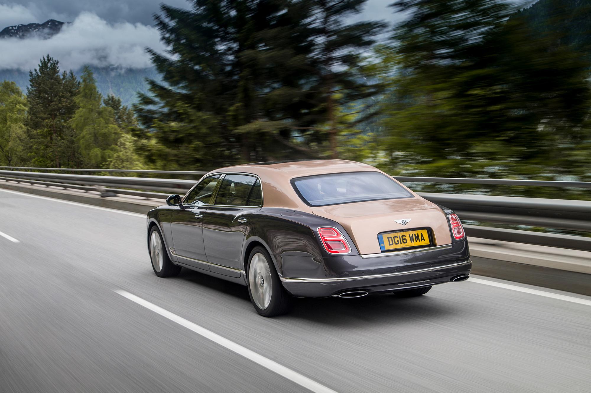 Кроссовер Bentley Bentayga готовы покупать не глядя