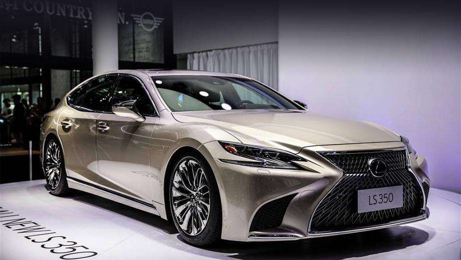 Lexus ls. Начальная версия «эль-эса», по определению самой фирмы, предоставит клиентам все преимущества роскошной модели при разумной стоимости и хорошей экономии топлива.