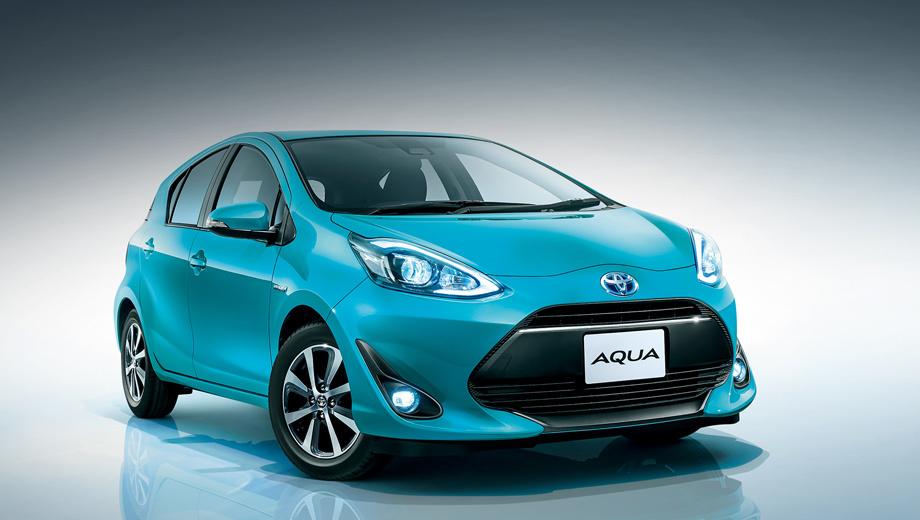 Toyota aqua,Toyota aqua crossover. Хэтчбеки Toyota Aqua бывают только пятидверными, с передним приводом и вариатором. Силовая установка ― это бензиновый 75-сильный двигатель плюс 61-сильный электромотор и аккумулятор ёмкостью 0,9 кВт•ч.