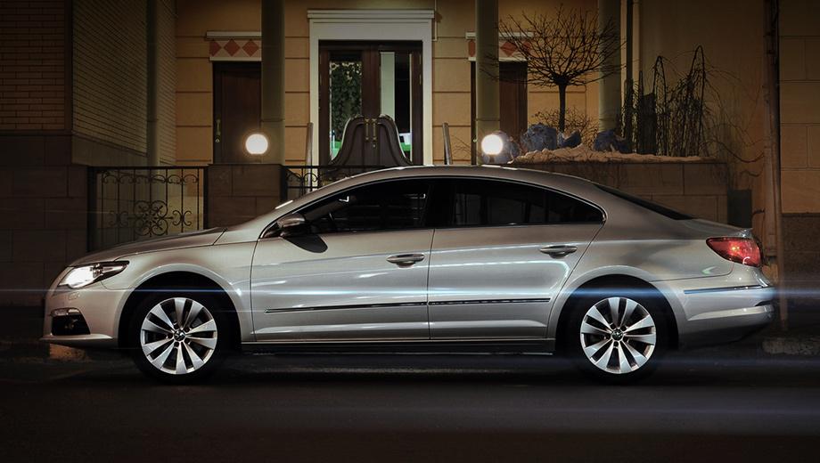 Volkswagen passat cc. Возьмите обычный Volkswagen Passat, приперчите его свежим дизайном, нафаршируйте электронными системами, отрежьте место для пятого пассажира. И вот Passat CC готов.