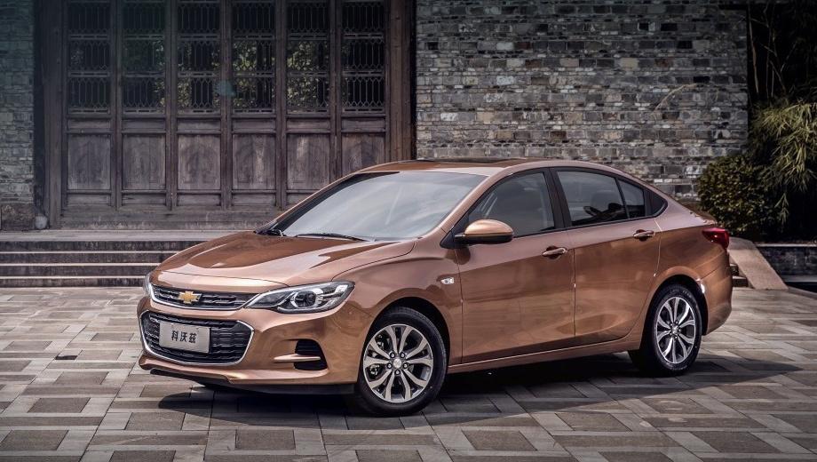 Chevrolet cavalier. Китайцы довольно тепло встретили седан Chevrolet Cavalier нового поколения. Продажи в Поднебесной стартовали в сентябре 2016-го, а до конца года реализовано 50 786 машин. И ещё 62 451 автомобиль купили с января по май 2017-го.