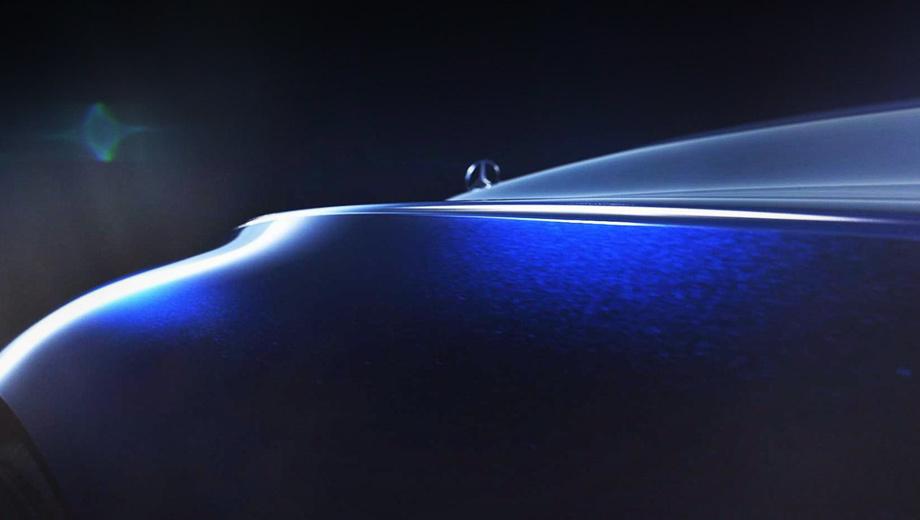 Mercedes concept. Невероятно длинный капот напрямую отсылает нас к прошлогоднему шоу-кару Mercedes-Maybach. Однако корма новой машины, похоже, будет короче.
