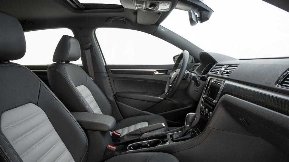 VW представит доконца года спортивный PassatGT