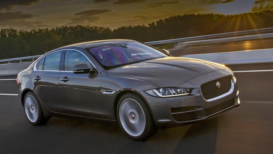 Jaguar xe. Меньше чем за 2 206 000 рублей XE не купить. Топовая S-версия стоит от 3 782 000. В первом полугодии продажи бренда Jaguar на российском рынке выросли на 67% по сравнению с аналогичным периодом 2016-го, что считается рекордом.
