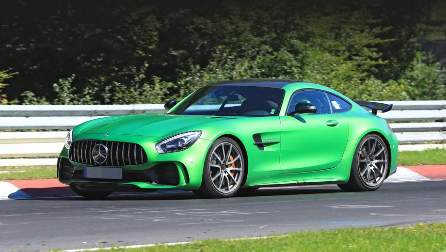 Mercedes amg gt,Mercedes amg gt4. Модель ориентирована на трек в большей степени, чем какой-либо серийный вариант AMG GT, но при этом будет допущена на обычные дороги.