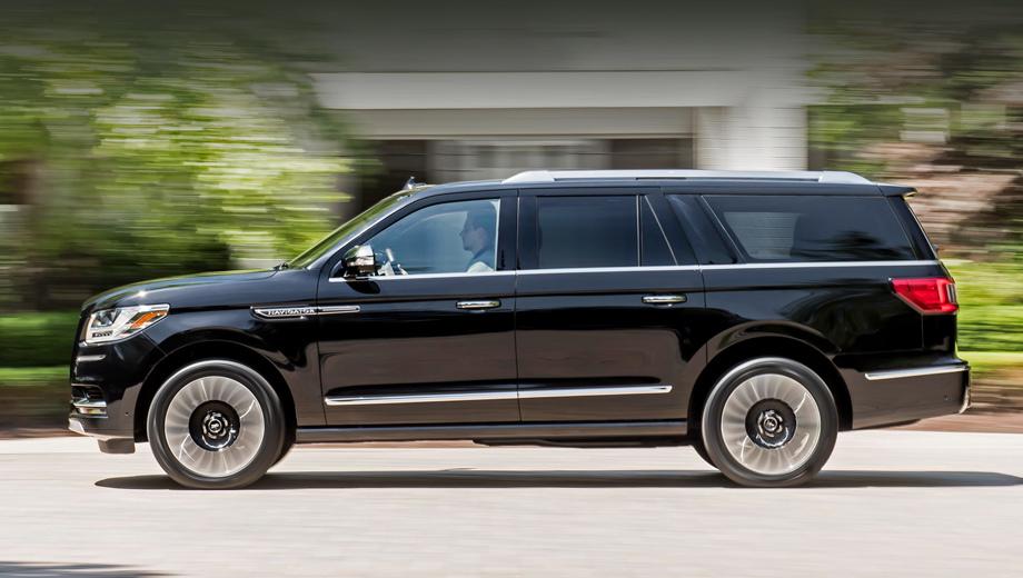 Ford expedition,Lincoln navigator. Под капот такого гиганта, как Lincoln Navigator L Black Label, просится «восьмёрка», но инженеры выбрали более экономичный V6 3.5 EcoBoost второго поколения (457 л.с., 678 Н•м). Электрификация — следующий логичный шаг.