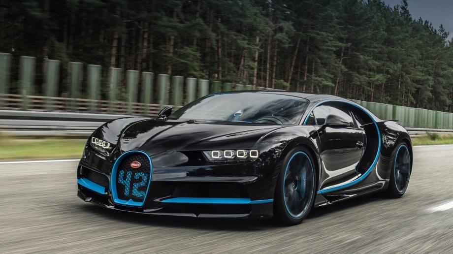 Bugatti chiron. Чтобы ездить быстрее 380 км/ч, необходимо получить специальный ключ Top Speed Key. Стартовать следует с лонч-контроля. Перегрузки при торможении — как на старте космического челнока. Для полной остановки Широну нужны 9,3 с и 491 м.