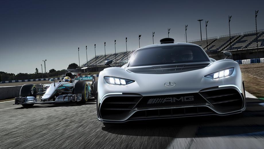 Mercedes project one,Mercedes concept. Машина построена на базе формульного болида Mercedes F1 W06 Hybrid. В основе дорожного гиперкара тоже лежит углепластиковый монокок, двигатель и трансмиссия имеют несущую функцию. Обе подвески — многорычажные. Тормоза — углеродокерамические.