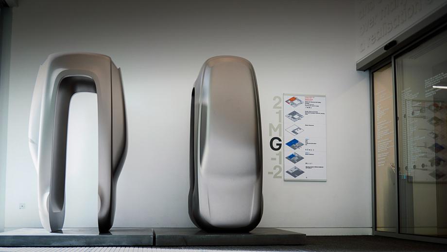 Land rover range rover. Художника может обидеть каждый, и на языке бешено вертится слово «обмылки». Заметим, схема справа отношения к инсталляции не имеет, это поэтажный план музея.