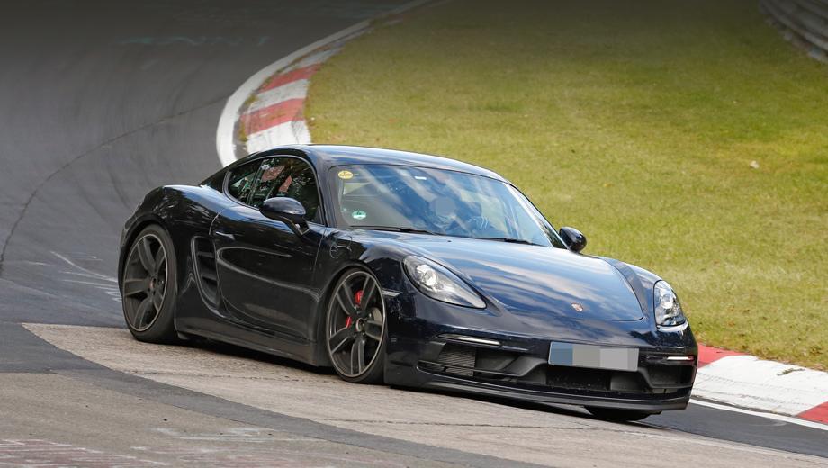 Porsche cayman,Porsche cayman gts,Porsche cayman gt4 rs. Практически полное отсутствие маскировки говорит о том, что модель близка к дебюту. От продаваемых сейчас Кайманов этот образец отличается новым бампером и расширенными порогами.