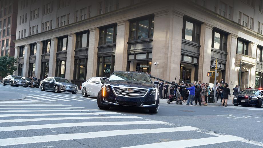 Cadillac ct6. В ходе путешествия колонна седанов с автопилотом пересечёт 16 штатов и округ Колумбия.