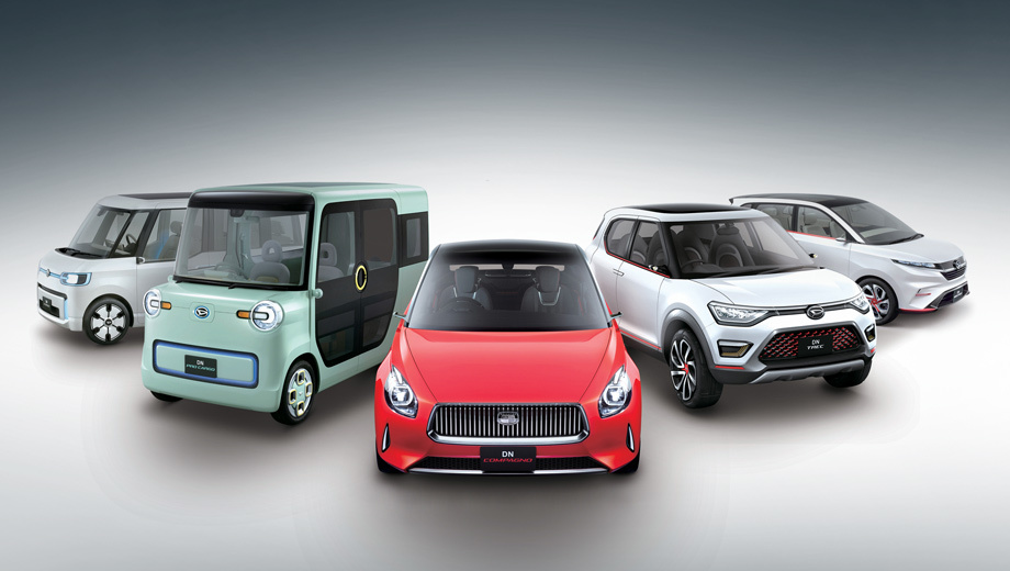 Daihatsu concept,Daihatsu dn pro cargo,Daihatsu dn u-space,Daihatsu dn multisix,Daihatsu dn trec,Daihatsu dn compagno. Крайний справа автомобиль нам уже знаком. Это концептуальный минивэн Daihatsu DN Multisix, показанный летом в Индонезии. Остальные машинки абсолютно новые.