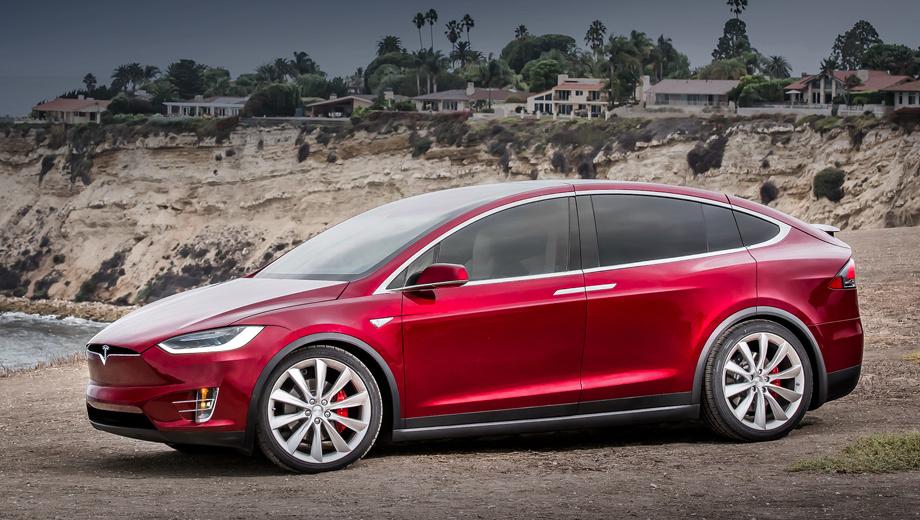 Tesla model x,Tesla model 3. Продажи электрокаров Теслы в России за девять месяцев этого года выросли на 92%, сообщает «Автостат». Куплено 34 кроссовера Model Х (на фото) и 12 хэтчей Model S. Кстати, по всему миру Тесла недавно преодолела отметку в 250 000 реализованных машин.