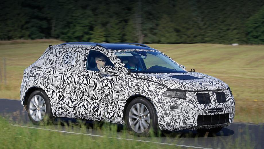 Volkswagen t-cross. Маленький Volkswagen получит взрослое оборудование ― адаптивный круиз-контроль с функцией Stop&Go, системы предупреждения о фронтальном столкновении, мониторинга слепых зон и контроля усталости водителя, а также парковочный ассистент.