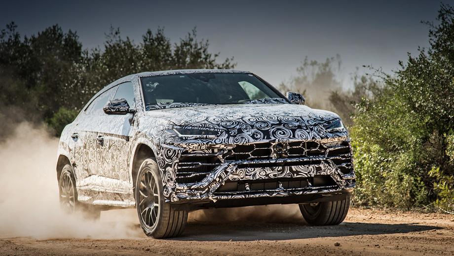 Lamborghini urus. У кроссовера Lamborghini Urus будет две модификации ― стандартная и внедорожная Dune. Последняя будет отличаться скошенными бамперами ради увеличения углов въезда и съезда. Легкосплавные колёса даже «в базе» идут 21-дюймовые, а опционально доступны 22- и 23-дюймовые.