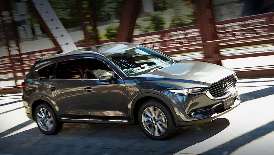 Mazda cx-7. В последнее время у Мазды появились две модели, нацеленные на конкретные страны. Так, Mazda CX-8 (на фото) продаётся только в Японии, а купеобразный паркетник CX-4 не выйдет за пределы Китая.