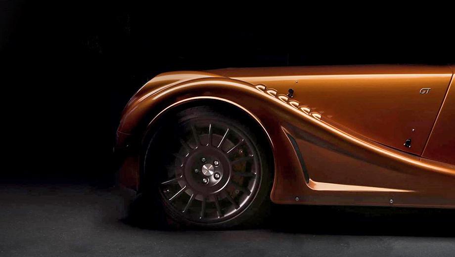 Morgan aero 8 gt,Morgan aero 8. Главные отличия Моргана Aero GT — «жалюзи» в передних крыльях и крупный задний диффузор. «Я рад, что одна из наших самых смелых идей стала реальностью», — говорит шеф-дизайнер Джон Уэллс.