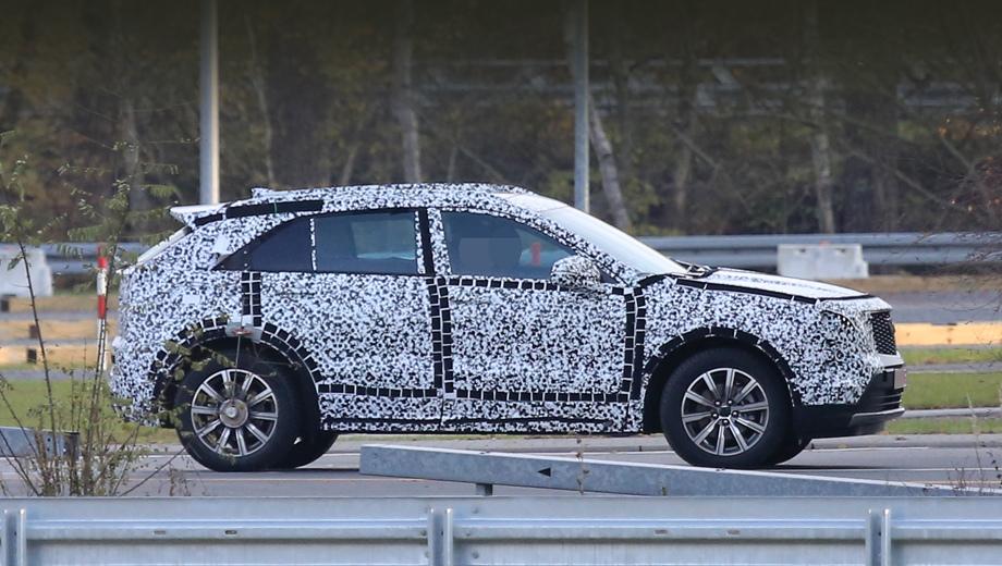 Cadillac xt4. По предварительным сведениям, XT4 построен на платформе C1XX (это кроссоверная версия E2XX), то есть на укороченной основе от XT5.