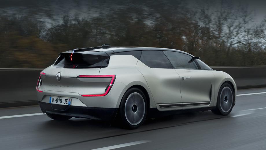Renault symbioz. Прототип является эволюцией концепта и демонстрирует движение проекта в более практическую сторону. Новый аппарат больше похож на серийный хэтч — как снаружи, так и внутри.