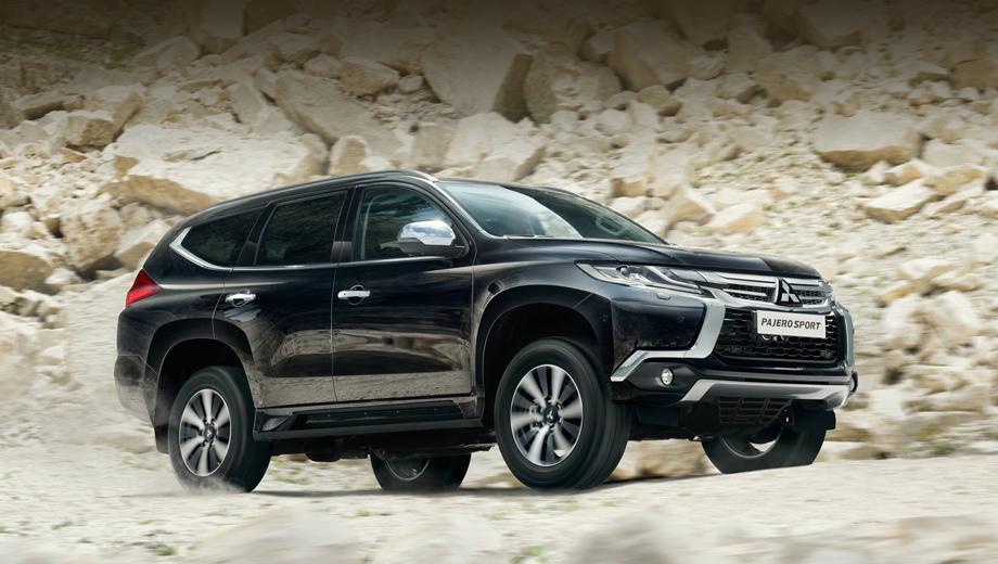 Mitsubishi pajero sport. За неполный год в нашей стране модель обрела свыше трёх тысяч покупателей, а по итогам 2017-го показатель может приблизиться к четырём тысячам. В числе привлекательных сторон — продлённая до пяти лет гарантия.