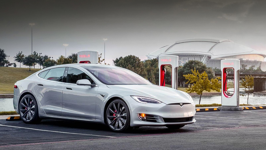 Tesla запретила таксистам пользоваться зарядными станциями Supercharger