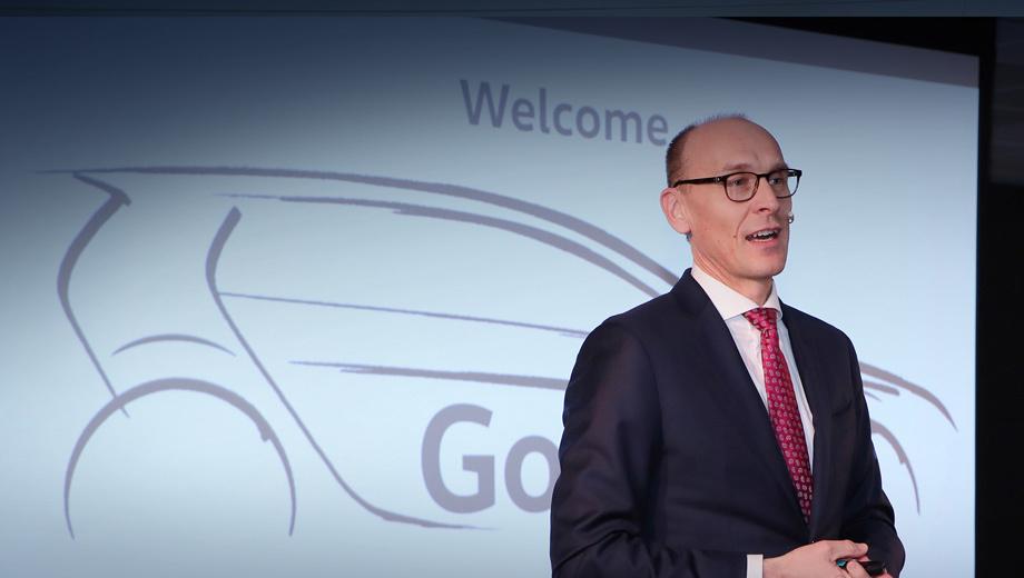 Volkswagen golf. Картинку, которую показал поставщикам член совета директоров VW Ральф Брандштеттер, даже тизером назвать сложно. С другой стороны, это намёк, что трёхдверная версия по-прежнему в строю.