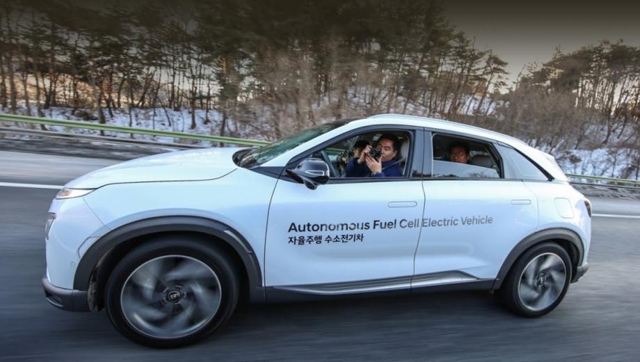 Hyundai elantra,Hyundai nexo. Тема автономного движения в компании Hyundai давно идёт бок о бок с другой стратегией — «озеленения» модельной гаммы.