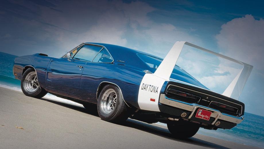 Dodge daytona,Plymouth superbird. Как вам такое крылище? Dodge Charger Daytona и правда летал, но очень-очень низко.