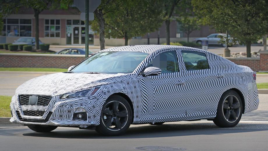Nissan altima. В серийной Алтиме дизайнеры развили новое направление, заданное в январе концептом Vmotion 2.0.