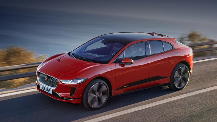 Jaguar i-pace. Длина автомобиля равна 4682 мм, ширина, высота и колёсная база — 1895, 1565 и 2990 мм соответственно. Багажника два: спереди на 27 л и сзади на 656 л (1453 со сложенным вторым рядом).