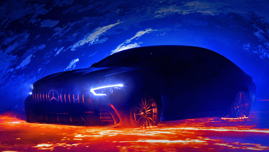 Хэтчбек Mercedes-AMG GT4 поступит в продажу осенью
