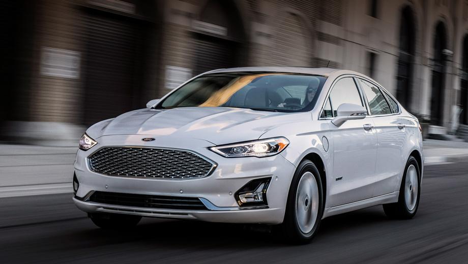 Ford fusion. Обновлённый Ford Fusion, которому, помимо прочего, достались новые цвета кузова и легкосплавные колёса, дебютирует на мотор-шоу в Нью-Йорке в апреле 2018 года. Седан в четырёх исполнениях и с двумя типами привода поступит в продажу на территории США в конце лета.