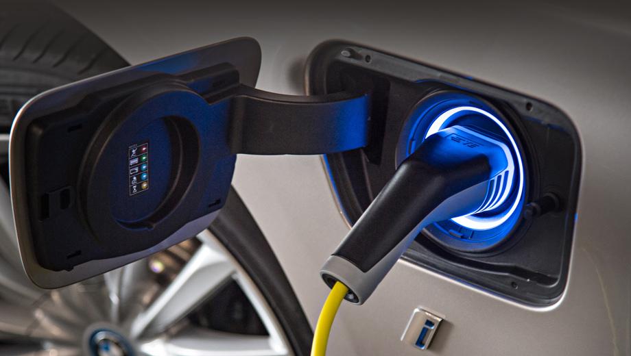 Bmw x3,Bmw ix3. К 2025 году в портфеле группы BMW должно быть 25 электрифицированных моделей, в том числе 12 чистых электрокаров.