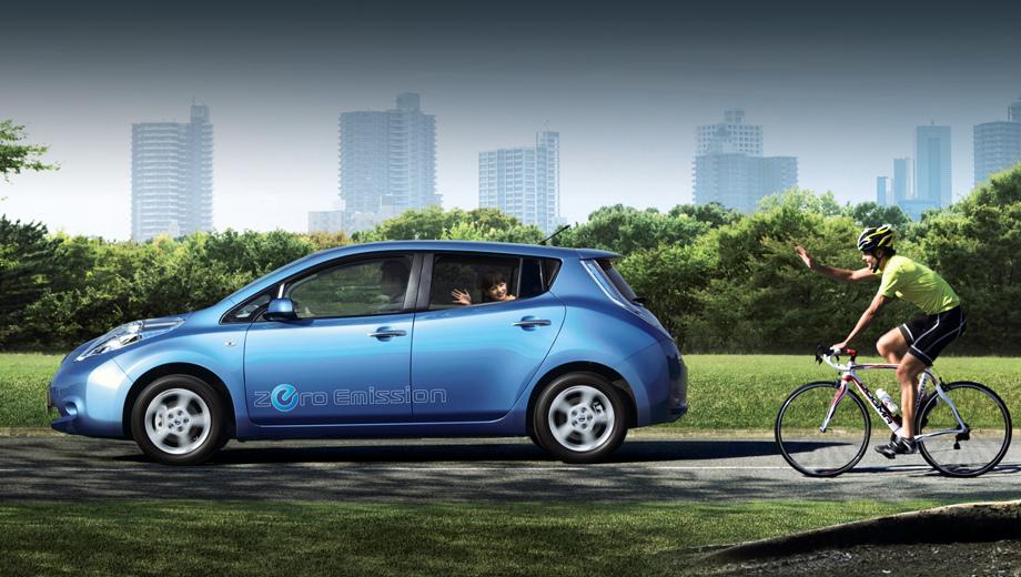 Nissan leaf. Почему именно сейчас? Просто «первый» Leaf появился в 2010 году, и ныне подходит к концу срок жизни батарей того поколения. Ниссановцы ожидают волну заявок на замену.