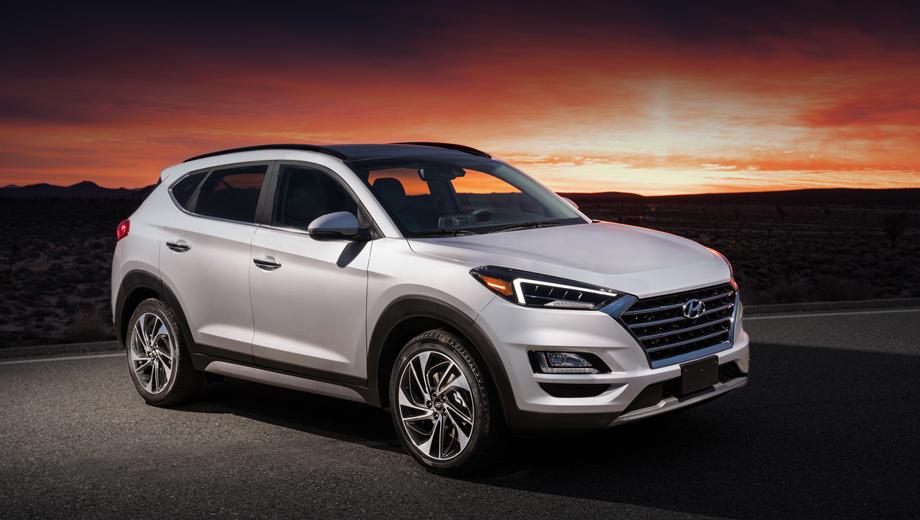 Hyundai tucson. В Соединённых Штатах обновлённый Hyundai Tucson начнут продавать осенью 2018-го, но в Европе компактный кроссовер появится ещё раньше ― летом. Приём заказов в России стартует до начала осени. Информации по силовым агрегатам пока нет.