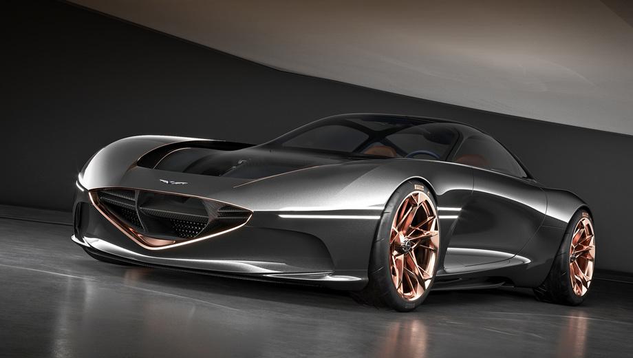 Genesis essentia. Представленный в Нью-Йорке спорткар назван электрической интерпретацией двухдверки Gran Turismo в стиле «атлетичной элегантности». Купе создано «для противодействия сложностям современного образа жизни» и даёт представление о будущих продуктах и технологиях фирмы.