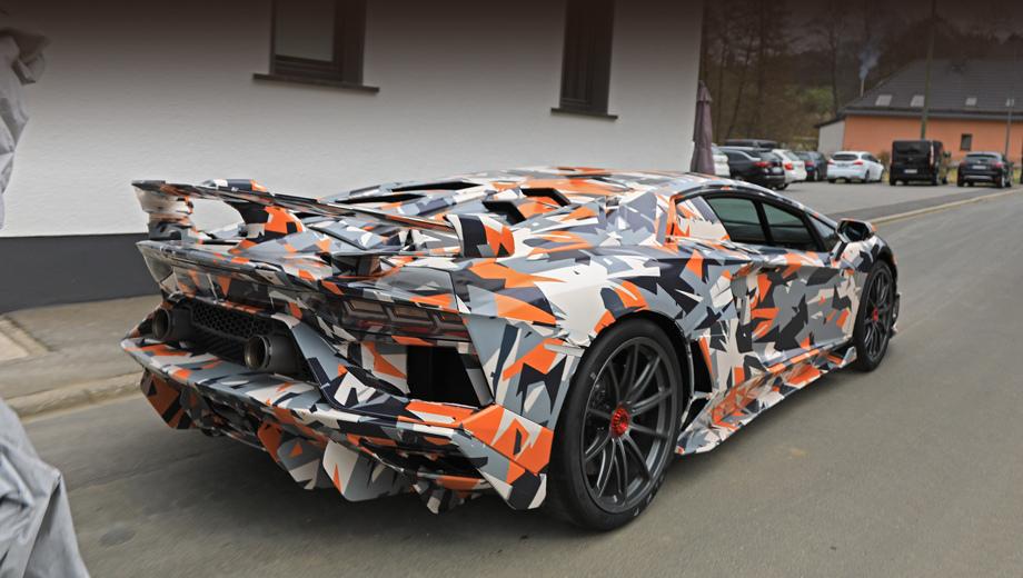 Купе Lamborghini Aventador SVJ получило оригинальный аэропакет