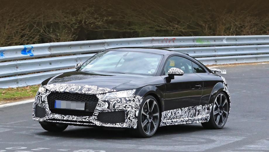 Audi tt,Audi tt rs. На «эр-эске», как и на простых TT, появится новая оптика. А ещё тут перекроены передние воздухозаборники.