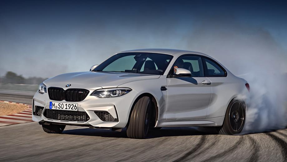 Bmw m2,Bmw m2 competition. Модель BMW M2 Competition отличается от донора полностью чёрной решёткой радиатора, передним бампером с увеличенными воздухозаборниками и корпусами боковых зеркал, как у BMW M4. Адаптивные светодиодные фары и пакет Shadow Line ― базовое оснащение.
