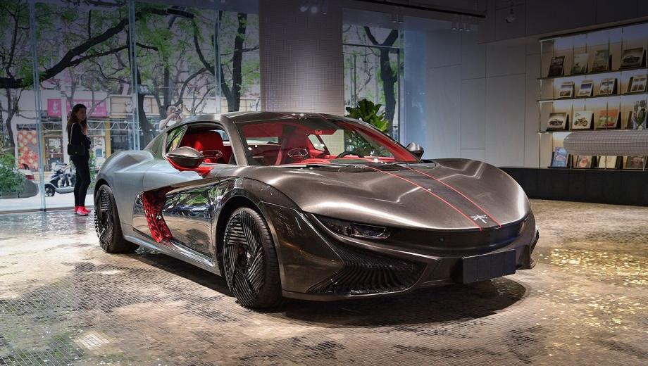 Китайская Qiantu Motor представила серийное купе K50 и концептуальный автомобиль K20