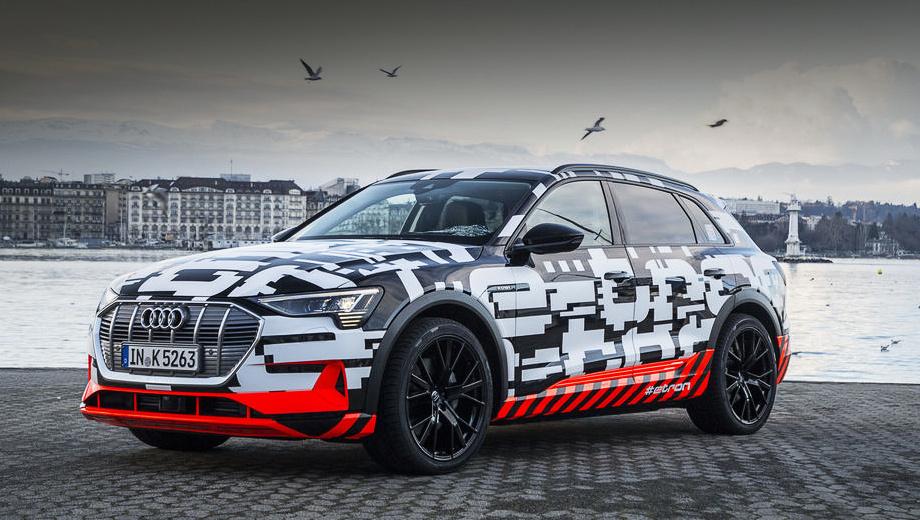 Audi e-tron. По инсайдерской информации, в Германии базовый Audi e-tron будет стоить без малого 70 тысяч евро. Например, за 64 400 евро можно стать владельцем 272-сильного дизельного кроссовера Audi Q7. Первые клиентские «и-троны» появятся у дилеров в начале 2019-го.