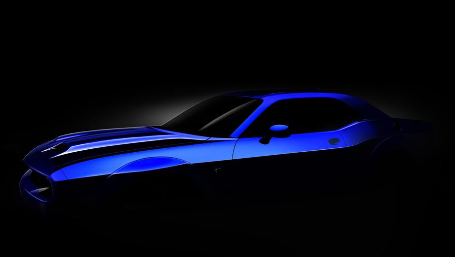 Dodge challenger. Функциональный воздухозаборник dual-snorkel станет отличительной чертой купе 2019 модельного года. На тизере также видны расширители колёсных арок, как в комплектации Hellcat Widebody. Возможно, такие будут ставиться по умолчанию.