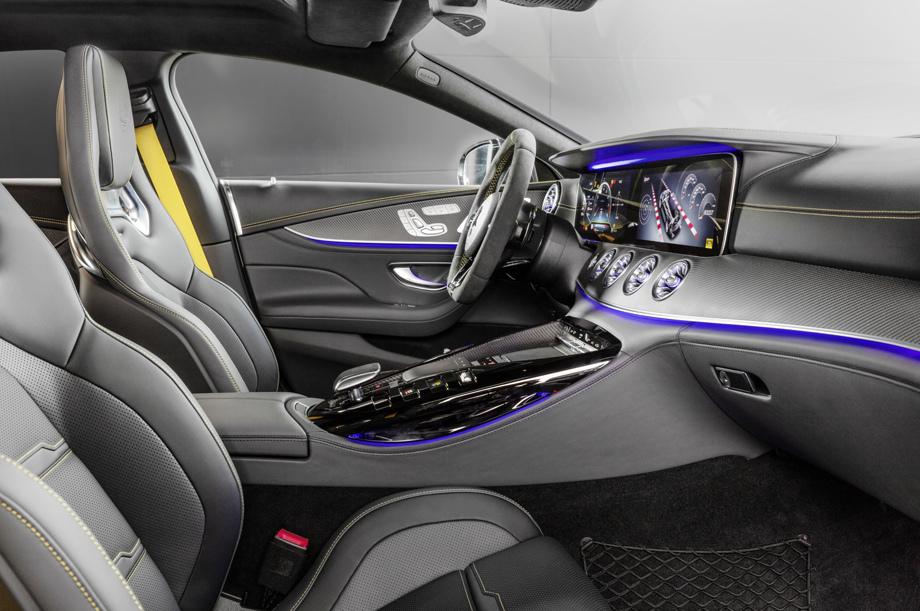 Хетчбэк Mercedes-AMGGT получил «стартовую» версию