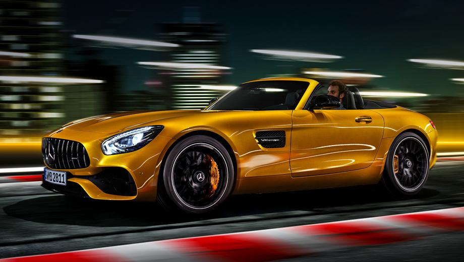 Mercedes amg,Mercedes amg gt,Mercedes amg gt s,Mercedes amg gt s roadster. Снаряжённая масса родстера Mercedes-AMG GT S по DIN составляет 1625 кг (расход топлива в смешанном цикле ― 11,5 л/100 км), а у версий GT и GT C ― 1595 и 1660 кг (11,4 и 12,5 л/100 км соответственно). У всех трёх ― преселективный «робот» с семью передачами.