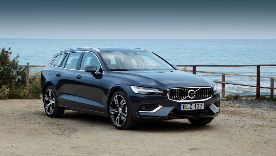 Volvo s60. Технически и стилистически новый седан S60 будет повторять недавно представленный универсал V60, но у того дизели ещё есть, даже два (на 135 и 165 л.с.).